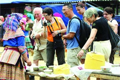 VN tourists head north by northwest
