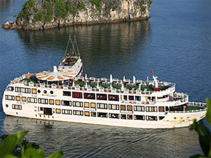 Ha Long bay to have another five-star cruiser