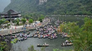 Spiritual tourism conference opens in Ninh Binh