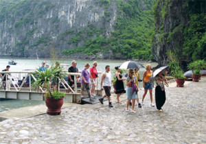 Number of foreign tourists to Quang Ninh rises sharply