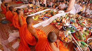 Khmer people celebrate Chol Chnam Thmay festival