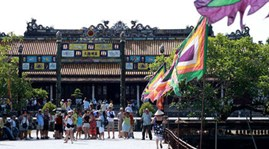Hue welcomes over 62,000 visitors on holiday